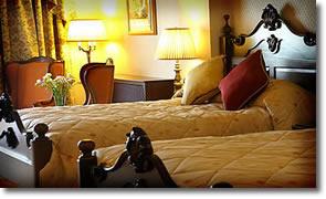 Harveys Point Hotel - Bedroom