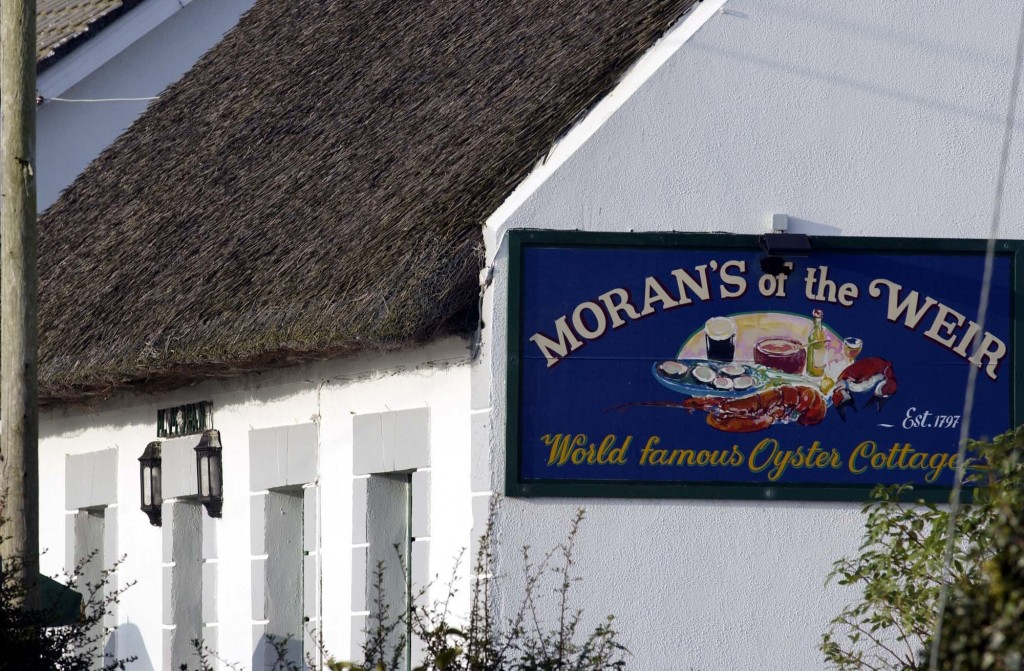 Moran's of the Weir ext sign med res