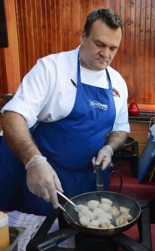 DORANS HOWTH - cooking scallops