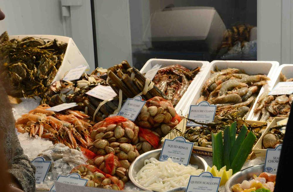 DORANS HOWTH, shellfish display